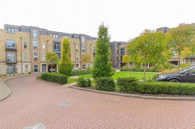 2 Bedrooms Apartment Flat for sale in Hales Court, Church Street, Maidstone, ME14