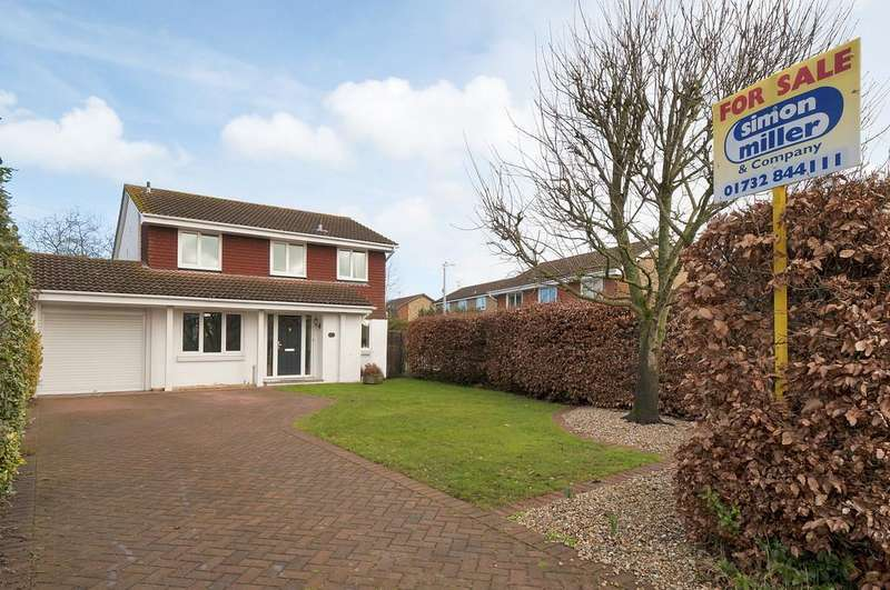 4 Bedrooms Detached House for sale in Phoenix Drive, Wateringbury