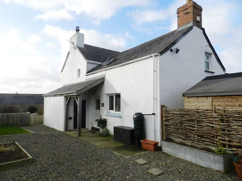 4 Bedrooms End Of Terrace House for sale in Ty Carw, Deerlands, Camrose, Haverfordwest