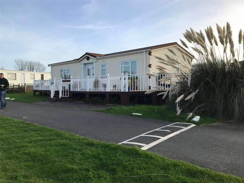 2 Bedrooms Detached Bungalow for sale in 91 Sea View, Dinas Country Club, Newport, Pembrokeshire