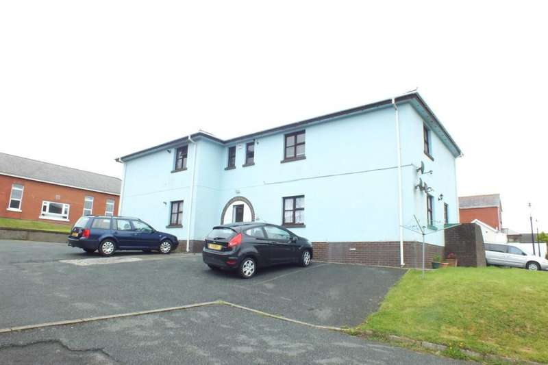 2 Bedrooms Flat for sale in Flat 14, Llanion House, Devonshire Road, Pembroke Dock