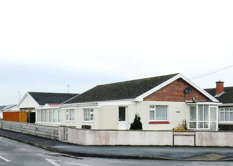 3 Bedrooms Detached Bungalow for sale in Caswell, Station Road, St. Clears, Carmarthen