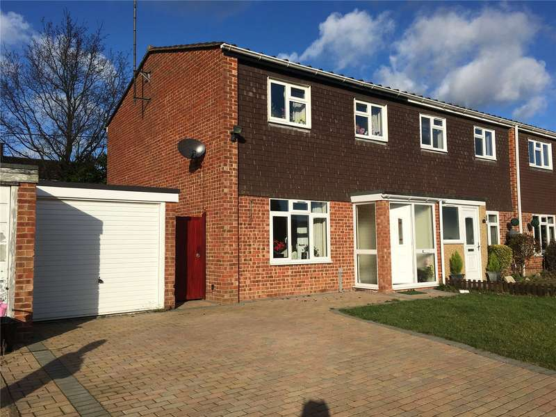 3 Bedrooms Semi Detached House for rent in Middlefields, Ruscombe, Reading, Berkshire, RG10