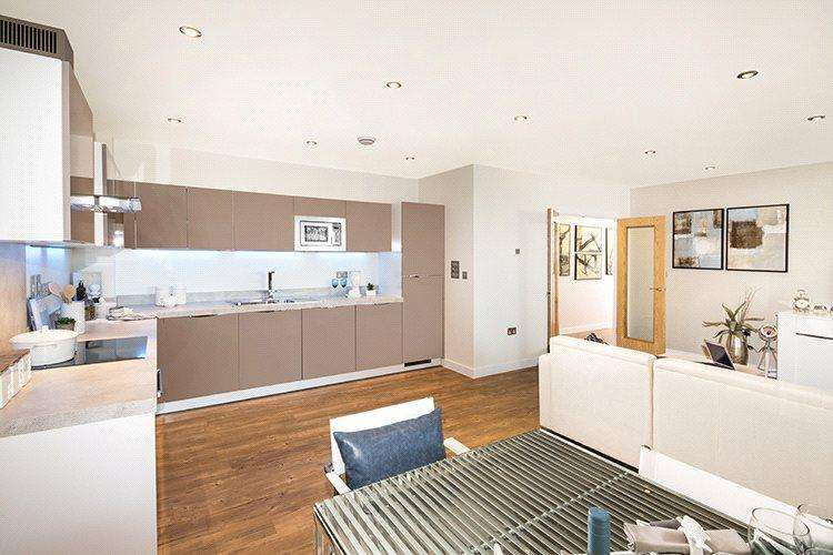 2 Bedrooms Flat for sale in 328, The Carnlough, Lymington Shores, Bridge Street, Lymington, SO41