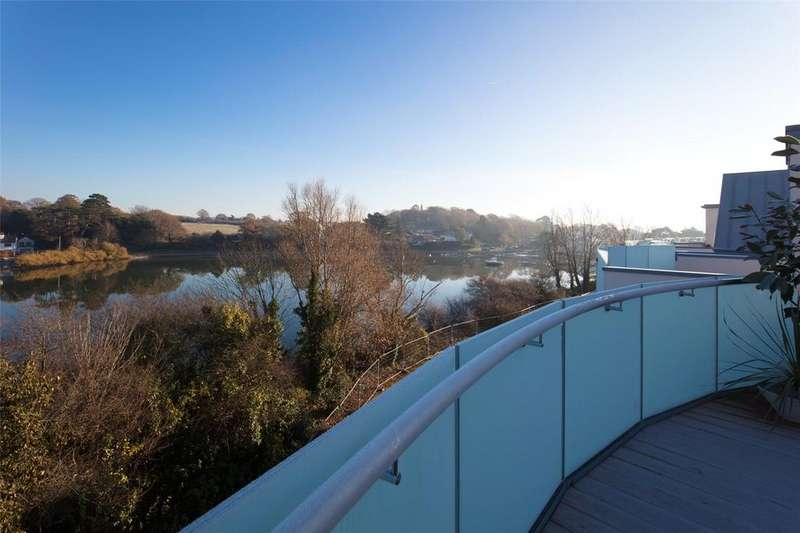 3 Bedrooms Detached House for sale in The Deben, Lymington Shores, Bridge Street, Lymington, SO41