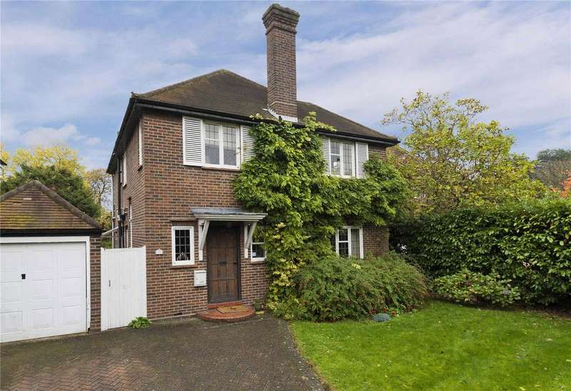 4 Bedrooms Detached House for sale in Hare Lane, Claygate, KT10