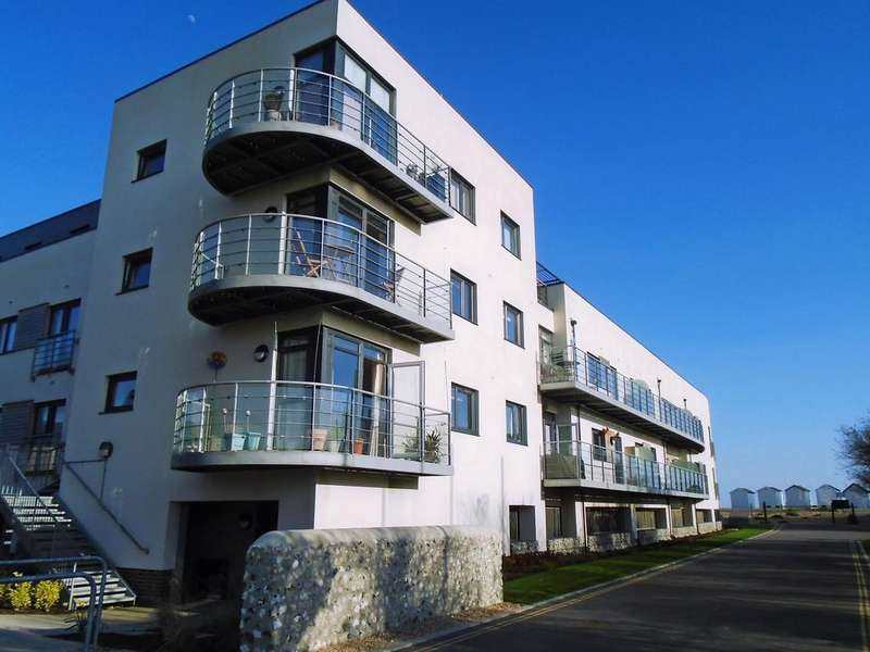 2 Bedrooms Flat for rent in Goring Worthing