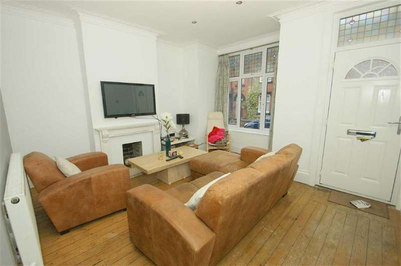 3 Bedrooms Terraced House for rent in Northbrook Street, LS7