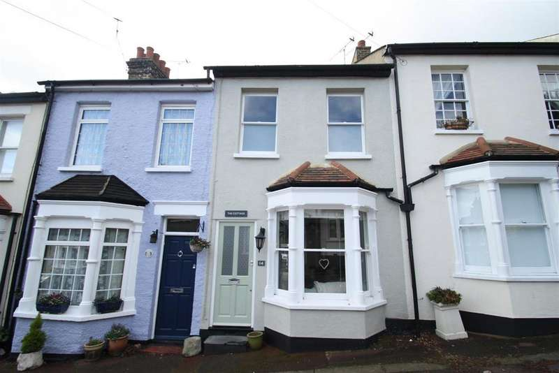 2 Bedrooms Terraced House for sale in Uttons Avenue, Leigh-On-Sea