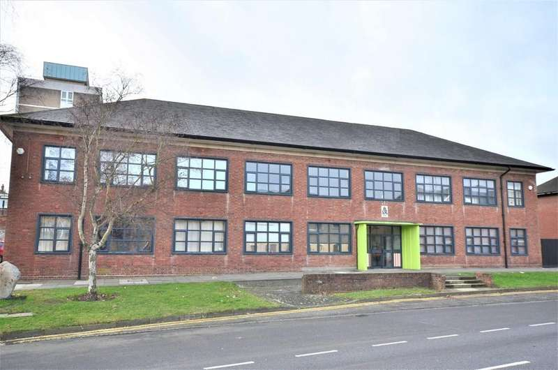 2 Bedrooms Flat for sale in Southway, Colchester, CO2 7FA