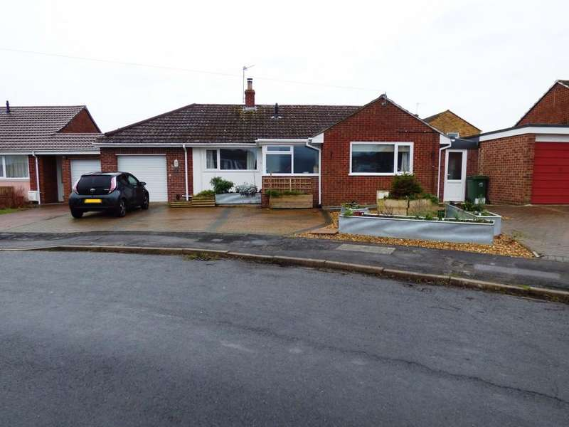 3 Bedrooms Detached Bungalow for sale in Chichester Park, Westbury