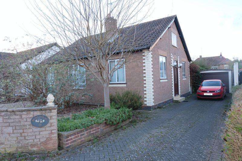 2 Bedrooms Detached Bungalow for sale in Woodbury Road, Stourport-On-Severn DY13 8XR