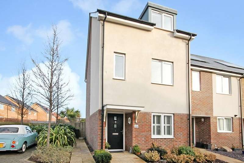 4 Bedrooms Town House for sale in Rainbow Square, Shoreham-by-Sea BN43 6AX