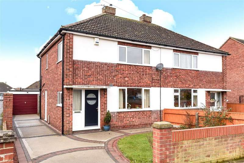 3 Bedrooms Semi Detached House for sale in Ancaster Avenue, Scartho, DN33