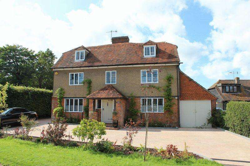4 Bedrooms Detached House for sale in Yalding