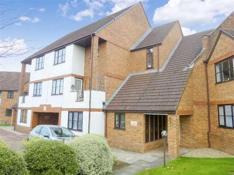 3 Bedrooms Apartment Flat for rent in Ridge Green, Swindon, Wiltshire