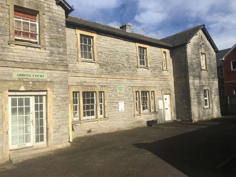 2 Bedrooms Flat for rent in Benedict Street, Glastonbury
