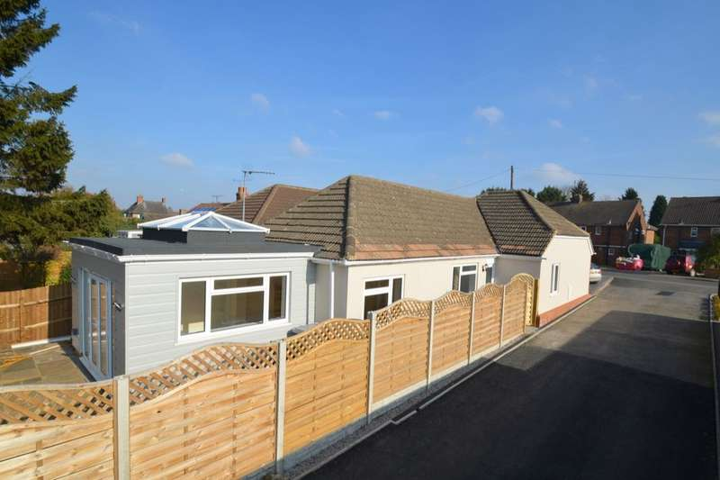 3 Bedrooms Detached Bungalow for sale in Bridle Road, Burton Latimer, Kettering, NN15