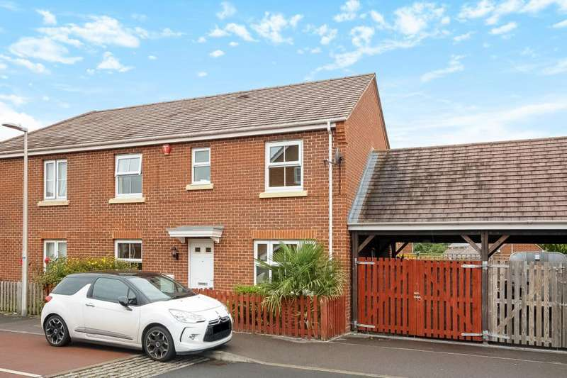 3 Bedrooms House for sale in Lancers Drive, Thatcham, RG19