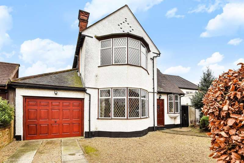 3 Bedrooms Detached House for sale in Lyndhurst Avenue, Mill Hill, NW7