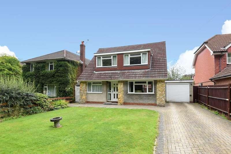 3 Bedrooms Detached House for sale in Bisley, Woking, GU24
