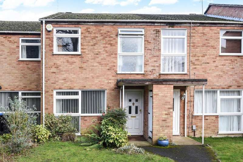 3 Bedrooms House for sale in Knaphill, Woking, GU21