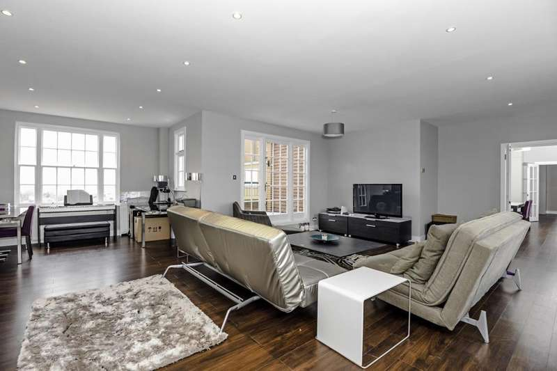 2 Bedrooms Flat for sale in Apsley House, St John's Wood, NW8, NW8