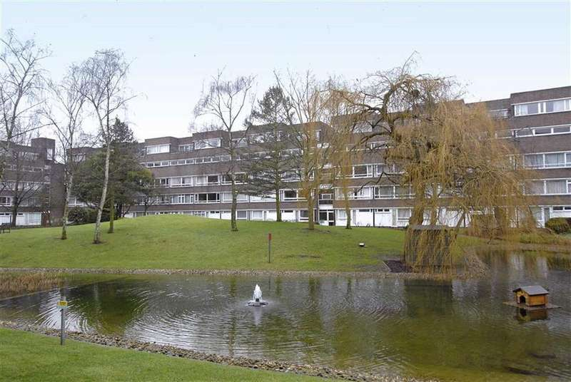 1 Bedroom Flat for sale in Fairacres, Bromley, Kent