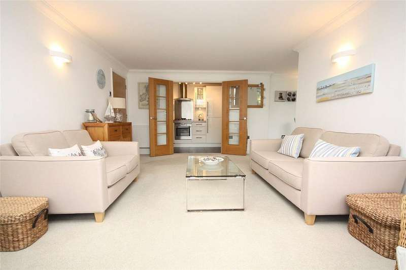 2 Bedrooms Flat for sale in Rosemount Road, Bournemouth, Dorset, BH4