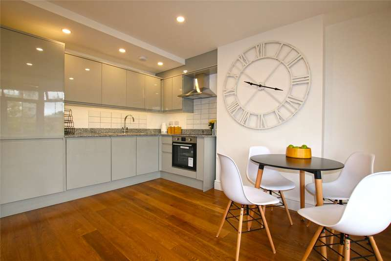 1 Bedroom Apartment Flat for sale in Old Woking Road, West Byfleet, Surrey, KT14