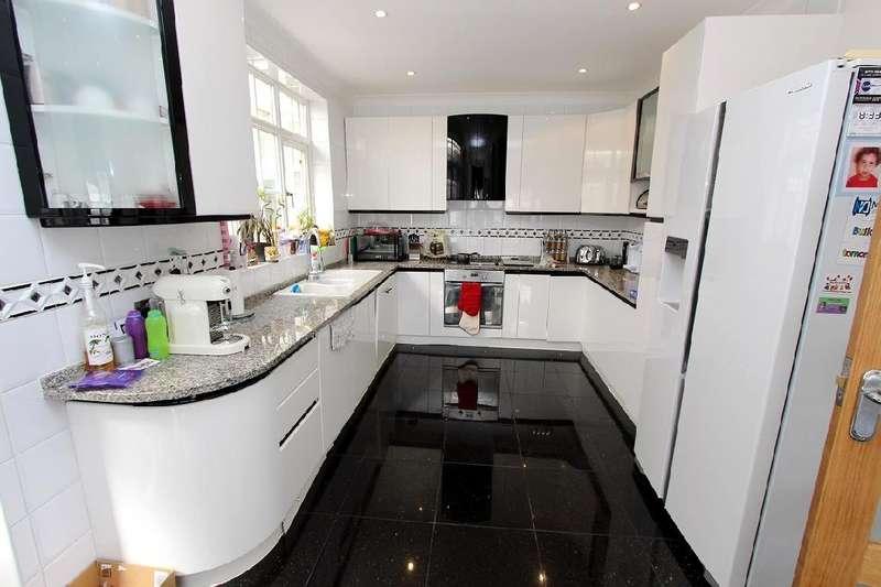5 Bedrooms Detached House for sale in Hillcrest Gardens, N3