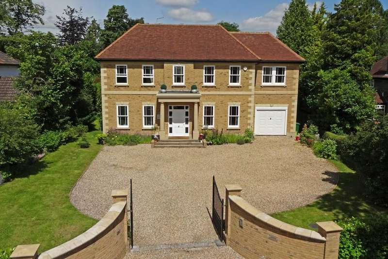 5 Bedrooms Detached House for rent in Kingswood