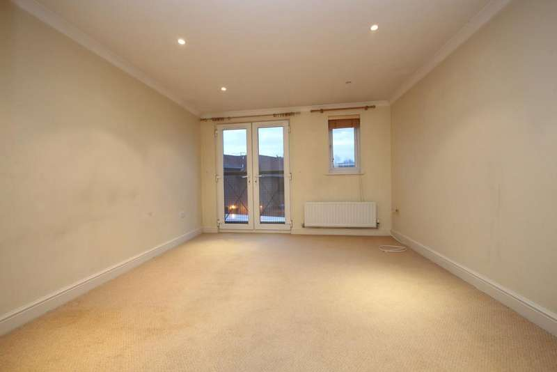 2 Bedrooms Apartment Flat for rent in Banstead