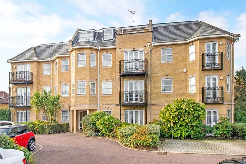 2 Bedrooms Flat for sale in Sovereign Court, 72A Pinner Road, Northwood, Middlesex, HA6