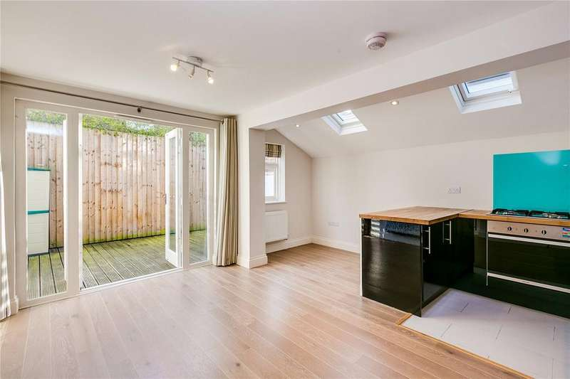 2 Bedrooms Flat for sale in Mendora Road, Fulham, London