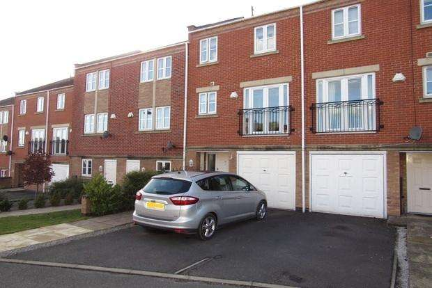 3 Bedrooms Town House for sale in Kelham Drive, Sherwood, Nottingham, NG5