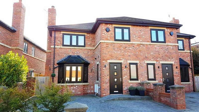 3 Bedrooms Semi Detached House for sale in Gravel Lane, Wilmslow
