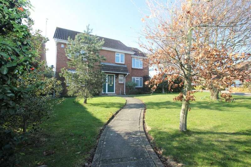 5 Bedrooms Detached House for sale in Doulton Way, Ashingdon