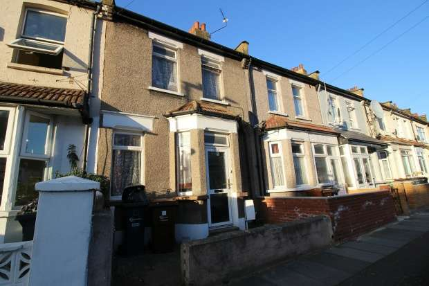 2 Bedrooms Terraced House for sale in Victoria Road, Barking, Essex, IG11 8PY