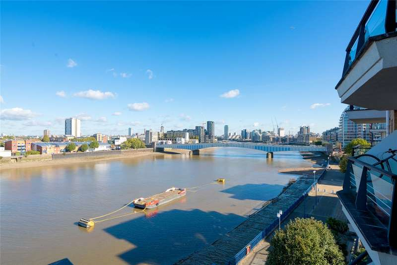 3 Bedrooms Flat for sale in Bluewater House, Wandsworth, London, SW18