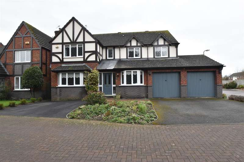 5 Bedrooms Detached House for sale in College Green, Droitwich