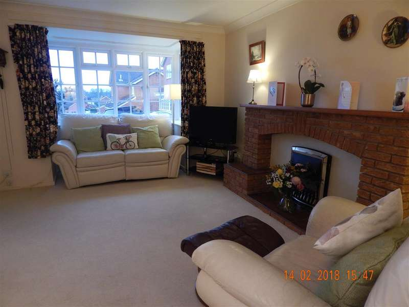 4 Bedrooms Detached House for rent in Church Down Close, Redditch