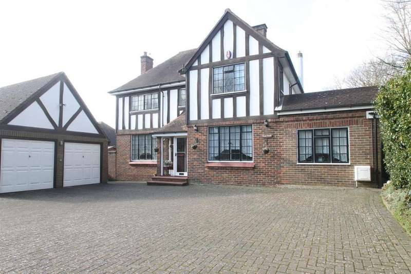 4 Bedrooms Detached House for sale in Malling Road, Teston, Maidstone