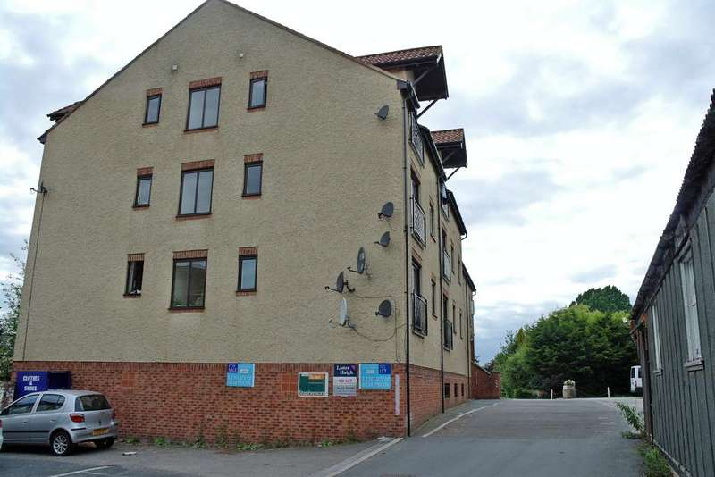 1 Bedroom Apartment Flat for rent in Flat 9, Bridge End House, Mill Lane, Boroughbridge, North Yorkshire YO51 9LH
