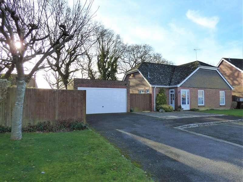 2 Bedrooms Detached Bungalow for sale in Grangefield Way, Aldwick, Bognor Regis PO21