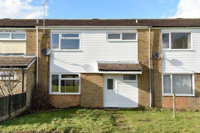 3 Bedrooms House for rent in Hithercroft Road, High Wycombe, HP13