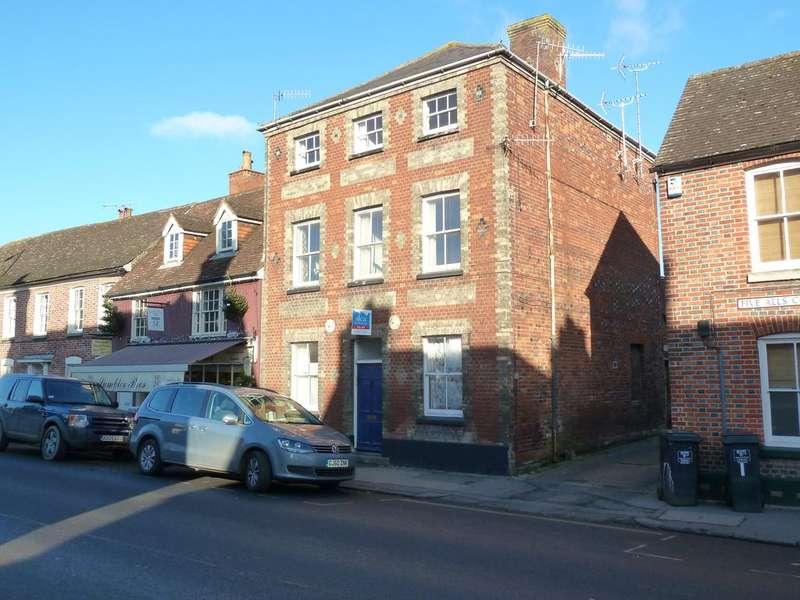 Studio Flat for sale in Marlborough, Wiltshire SN8