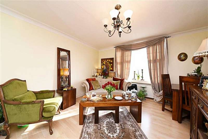 2 Bedrooms Flat for sale in Prothero Gardens, Hendon, London