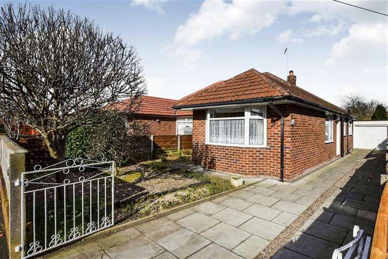 3 Bedrooms Semi Detached Bungalow for sale in Bankfield Road, Sale, M33