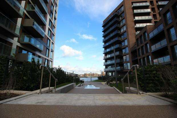 3 Bedrooms Apartment Flat for sale in Waterfront II Woolwich Arsenal Development, London, SE18